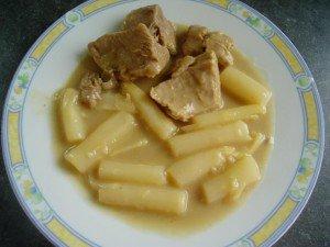 blanquettes de veau aux asperges dans viande blanche blanquette-de-vea...-asperges-e33679-300x225