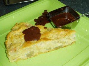 gâteau pomme/poire et coulis de chocolat dans les gâteaux gateau-pomme-poir...hocolat-1ac21b2-300x225